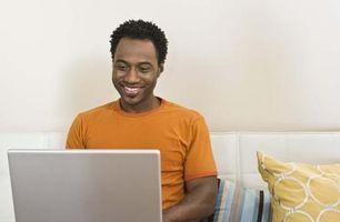 Hur man kopiera och klistra in saker på din Facebook-status