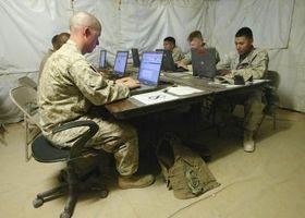 Hur chattar jag med amerikanska militärer?