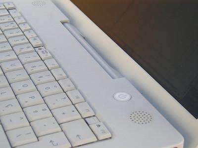 Hur man koppla upp min Apple G4 laptop till en HDTV