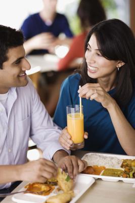Vilka är farorna med internet dating webbplatser?