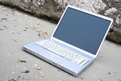 Hur man rengör en datorskärm på en Mac