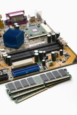 Hur att installera och byta minne på en Compaq Desktop PC