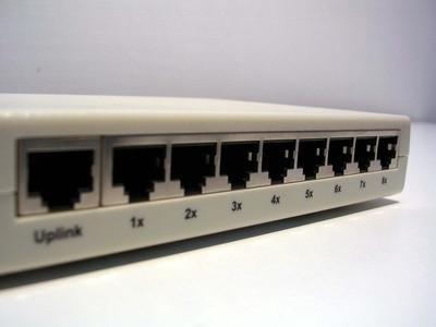 Hur ansluta flera datorer till en router