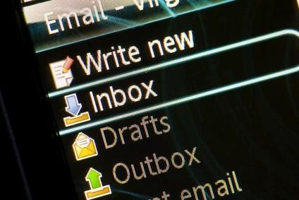 Hur vill kolla om en e-postserver är svartlistad